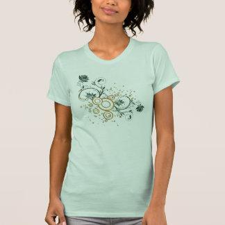 Camiseta folhas e redemoinhos