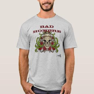 Camiseta Hombre mau com crânio, espinhos e rosas