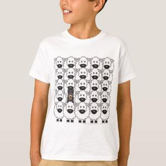 Camiseta Kelpie australiano nos carneiros