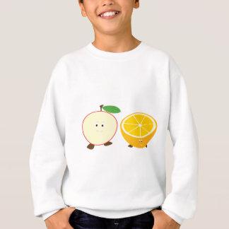 Camiseta Meia maçã e caráteres parcialmente alaranjados