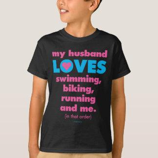 Camiseta Meu marido ama Triathlons (o texto somente)