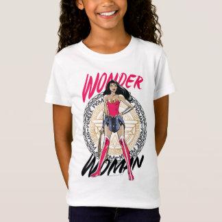 Camiseta Mulher maravilha com o emblema tribal grego