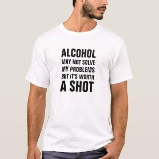 Camiseta O álcool não pode resolver meus problemas mas vale