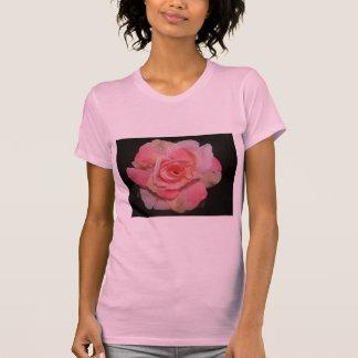Camiseta O casamento do rosa da gota de orvalho aumentou -