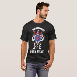 Camiseta o homem escuro