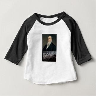 Camiseta Para Bebê Brigham Young em armas