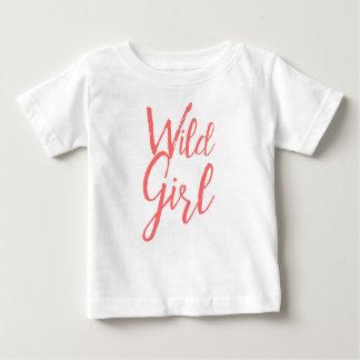 Camiseta Para Bebê Menina selvagem (expressões feministas)