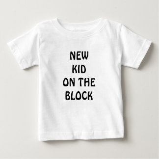 Camiseta Para Bebê Miúdo novo na roupa do bebê do bloco