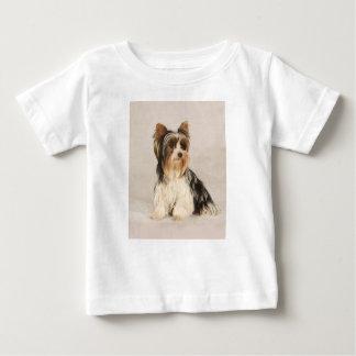 Camiseta Para Bebê Pintura da senhorita Mia Foto de Yorkie do retrato