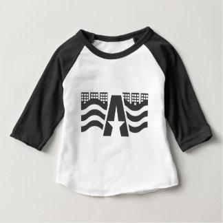 Camiseta Para Bebê Primeiro nome de letra - uma paisagem da cidade
