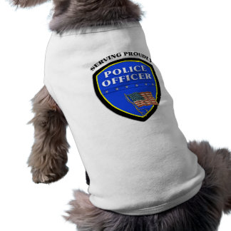 Camiseta Polícia que serve orgulhosa