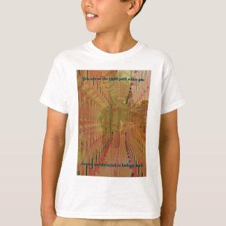 Camiseta Realidade alternativa que move-se no abstrato