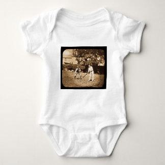 Camiseta Sepia dos jogadores do grilo da corrediça de