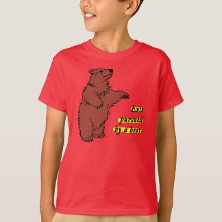 Camiseta T-shirt: Retire levado a cabo por um urso