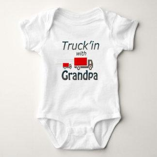 Camiseta Truck'in com vovô