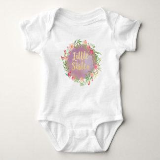 Camisetas Blusa do anúncio da irmã mais nova