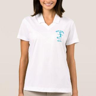 Camisetas fêmeas do futebol do aniversário