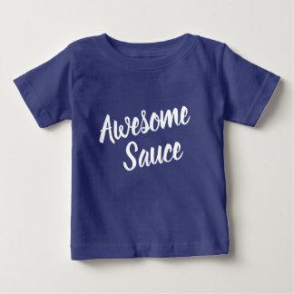 Camisetas O bebê impressionante escuro da tipografia do