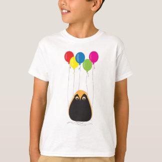 Camisetas Uma coruja afortunada com balões felizes
