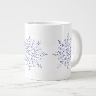 Caneca azul do jumbo dos flocos de neve do inverno jumbo mug