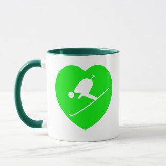 Caneca Branco de esqui no coração verde