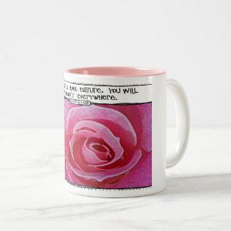 Caneca cor-de-rosa das citações da natureza de Van