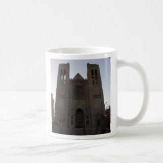 Caneca da catedral da benevolência de San