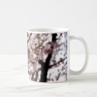 caneca da flor de cerejeira
