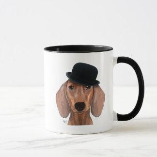 Caneca Dachshund com o chapéu de jogador preto