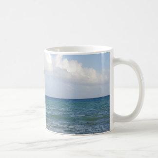 Caneca das ondas de oceano