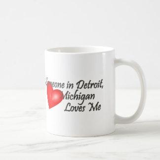 Caneca De Café Alguém em Detroit ama-me
