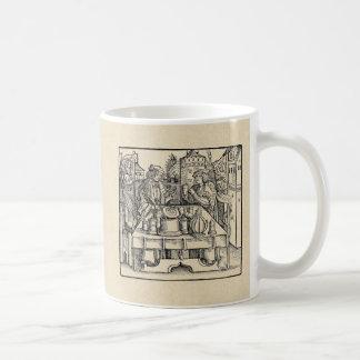 Caneca De Café Alquimista real no castelo