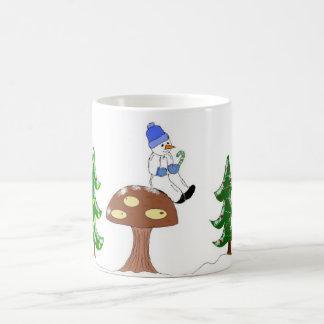 Caneca De Café Boneco de neve em um cogumelo