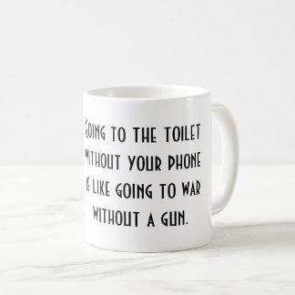 Caneca de café branco com provérbio inspirado YACF