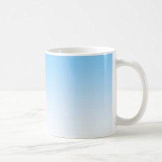 Caneca De Café Branco Ombre dos azul-céu