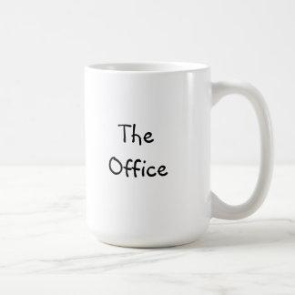 """Caneca de café clássica com """"o escritório """""""