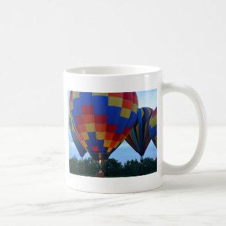 Caneca De Café Copo de café dos balões de ar quente do arco-íris