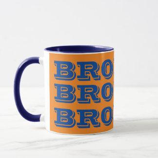 Caneca de café das equipes dos broncos