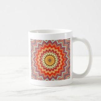 Caneca De Café Design colorido do caleidoscópio da mandala da