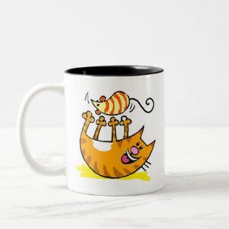 Caneca De Café Em Dois Tons Gatinho da proibição com rato