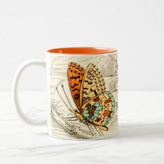 Caneca De Café Em Dois Tons Ilustração, laranja e bege da borboleta do vintage