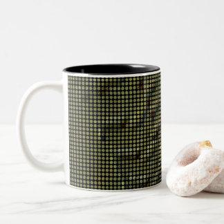 Caneca De Café Em Dois Tons Mosaico abstrato do ponto no verde de cobre