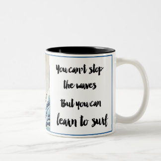 Caneca De Café Em Dois Tons não pode parar o copo de café das ondas