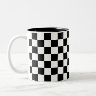 Caneca De Café Em Dois Tons Tabuleiro de damas preto e branco