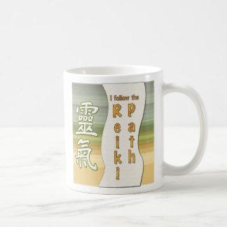 Caneca De Café Eu sigo o trajeto de Reiki