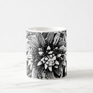 Caneca De Café Flor do cacto no Cu clássico preto e branco do