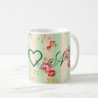 Caneca de café floral do vintage chique do