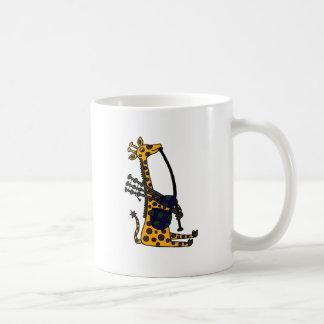 Caneca De Café Girafa engraçado que joga a arte dos Bagpipes