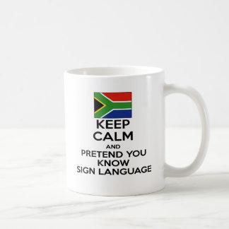 Caneca De Café Mantenha a calma e finja-o sabem o linguagem