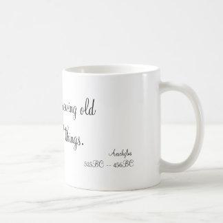 Caneca De Café Mas o tempo que cresce velho ensina todas as
